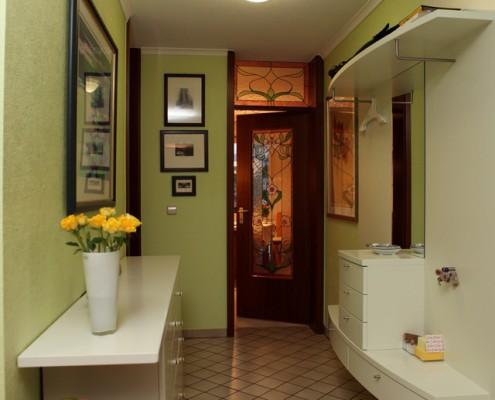 farbe im flur oder gibt s nur f r flure nur wei e w nde erwin schr ter farbgestaltung. Black Bedroom Furniture Sets. Home Design Ideas